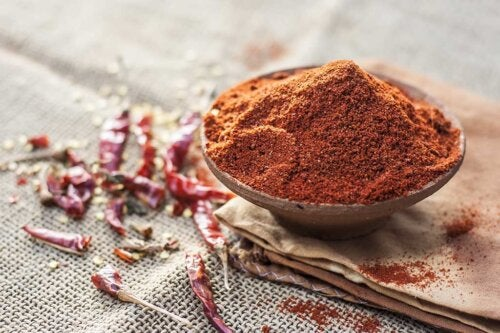 Jugos de pimienta de Cayena para adelgazar, reducir el colesterol y aliviar el dolor