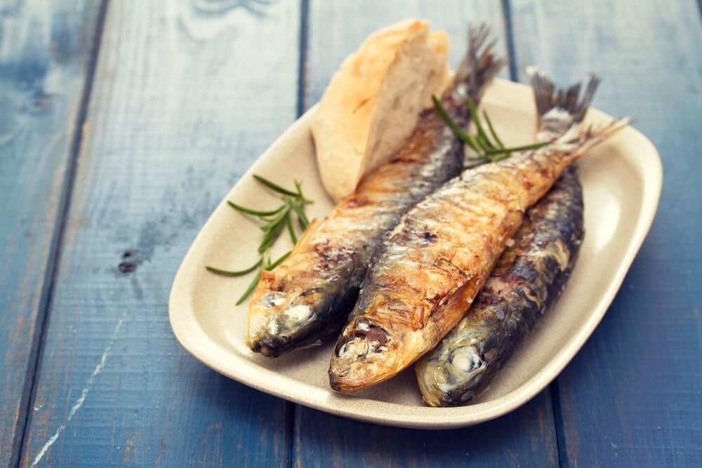 Pescado alimentos que aumentan el ácido úrico
