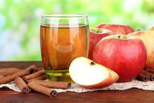 Agua de manzana y canela bebidas antigrasas