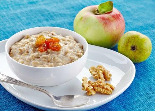 5 alimentos saciantes que deberías incluir en tu desayuno para perder peso