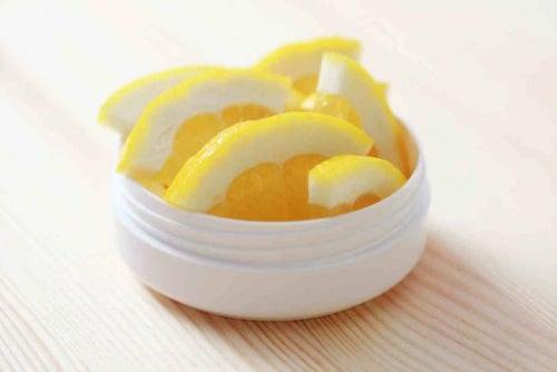 Beneficios-del-limon-para-las marcas de acné