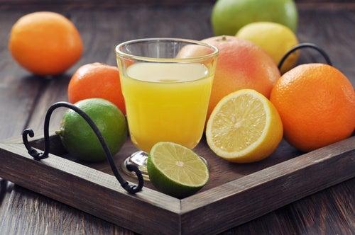 Cómo preparar esta bebida natural anticelulitis