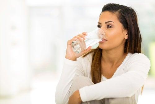 Ingerir poco líquido