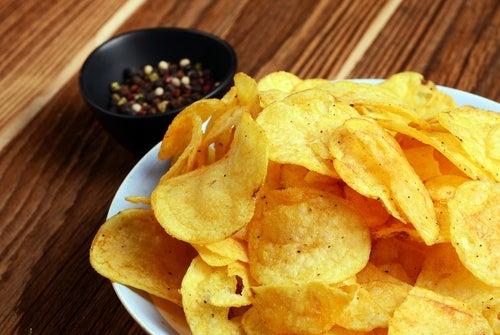 Patatas fritas, alimento a evitar por pacientes con colitis