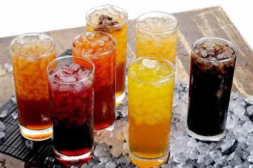¿Es seguro para la salud tomar refresco dietético?