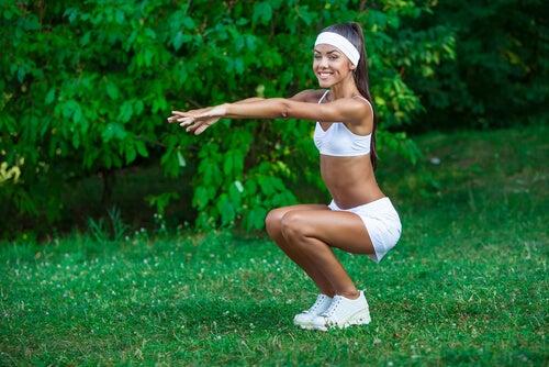 woman-doing-squats