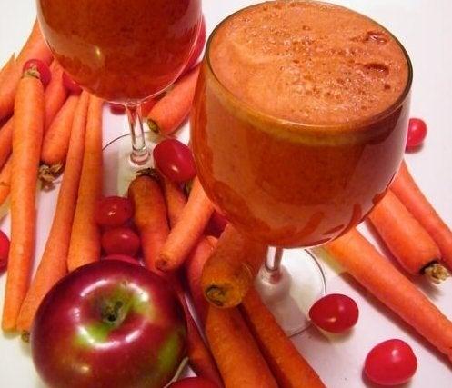 licuado de tomate manzana y zanahorias