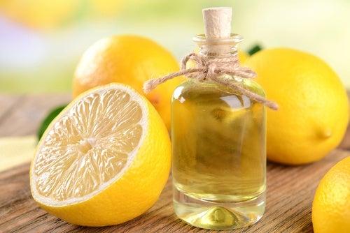 Elimina grasa con limón, vinagre de manzana y aceite de coco