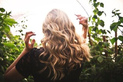 Tónico capilar para rejuvenecer el cabello débil