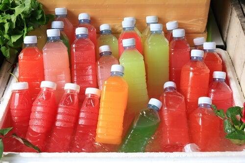 10 razones por las que todos deberían evitar el consumo de refrescos