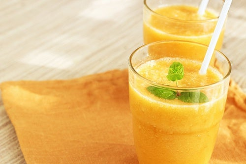 Cómo preparar un delicioso batido de naranja para estar en forma y energizarse