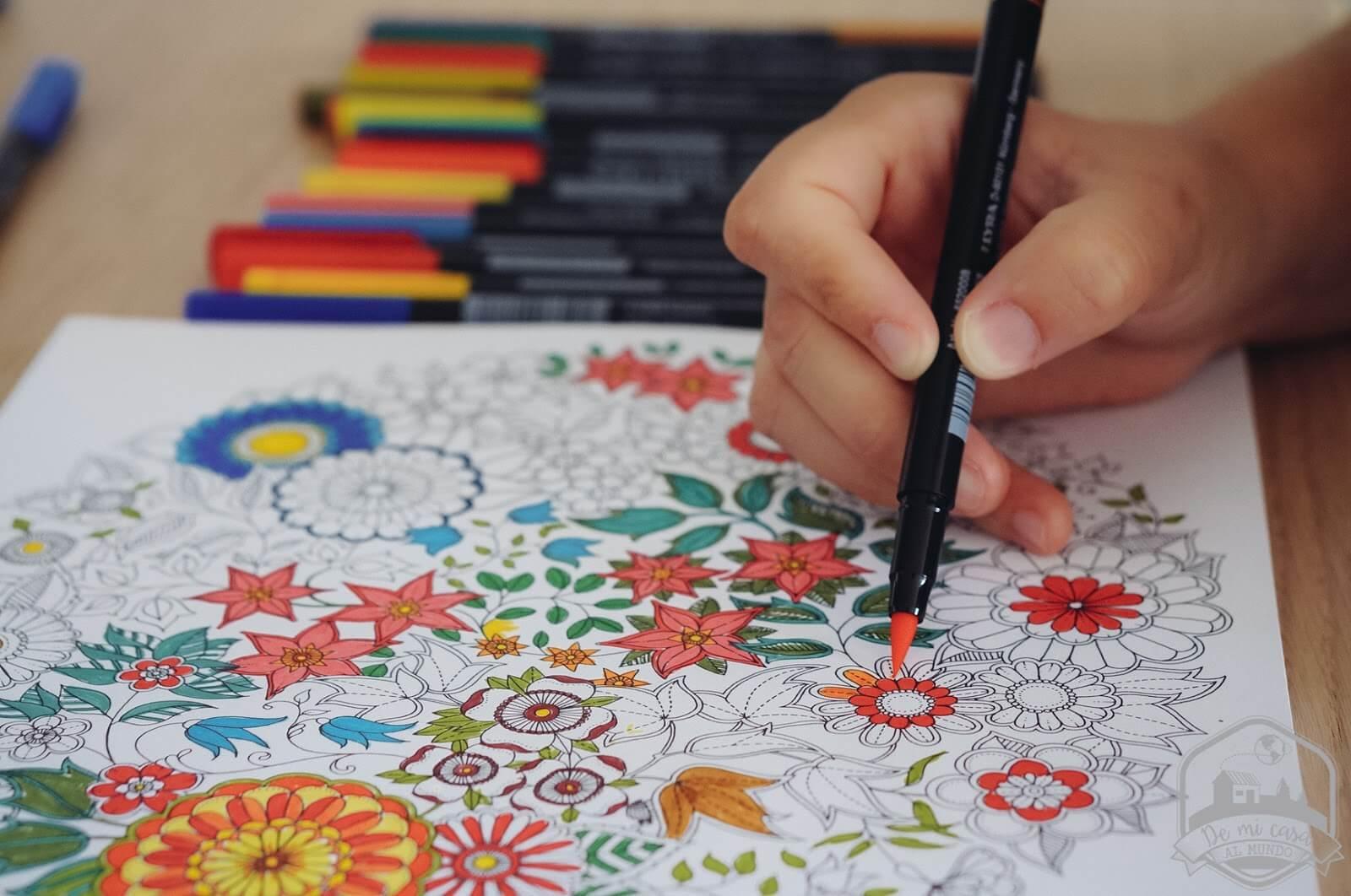 Contra-la-ansiedad-prueba-a-colorear-dibujos-o-mandalas.