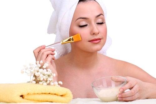 Crema natural para atenuar las manchas
