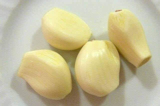 Beneficios de comer 4 dientes de ajo al día que desconocías