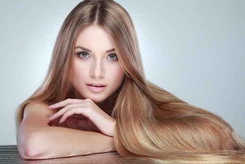 El cabello luce mejor con ácido fólico