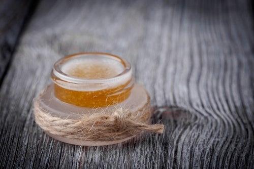 Exfoliante de miel, aceite de oliva y azúcar moreno