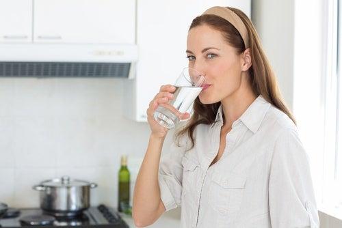 Atajos para perder peso: incrementar el consumo de agua
