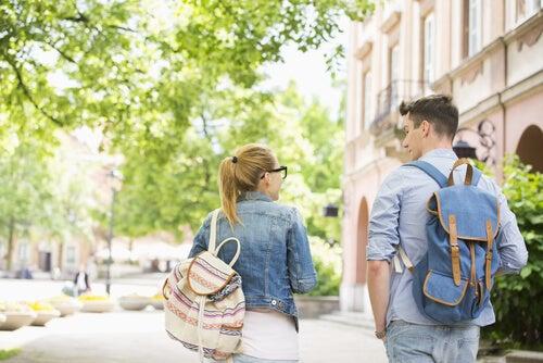 Las mochilas escolares y el dolor de espalda