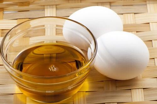 Mascarillas de huevo y miel para el cabello