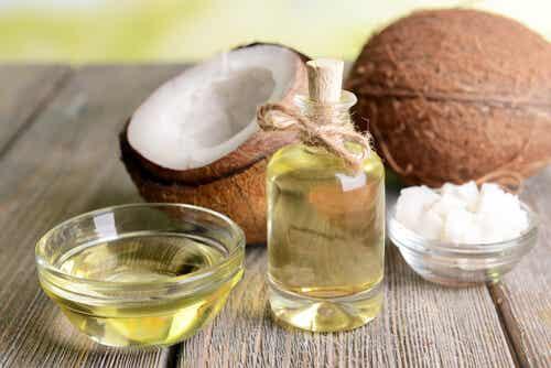 10 secretos con aceite de coco para rejuvenecer
