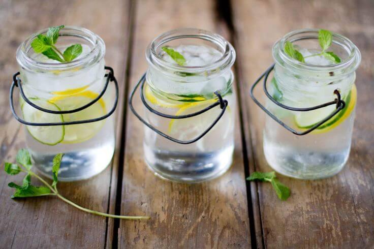 4 bebidas para depurar azúcares y otros alimentos refinados de tu cuerpo