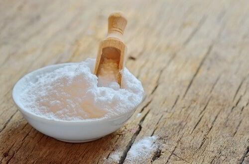 El bicarbonato de sodio puede ayudar a eliminar la placa dental