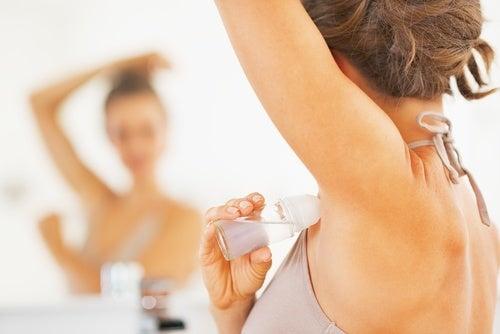 Elabora un desodorante natural y casero de manera sencilla