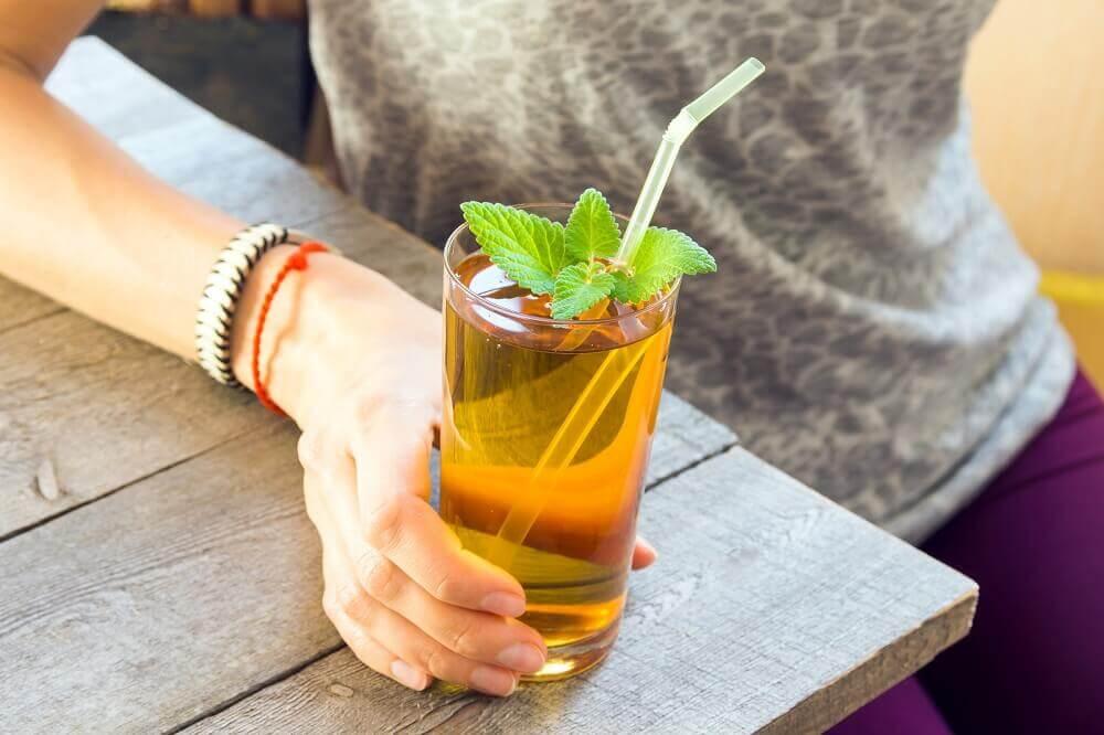 ¿Cómo preparar esta infusión herbal para el dolor de cabeza?