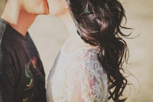 pareja reconciliándose