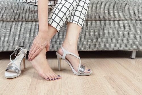 El calzado influye en los pies fríos