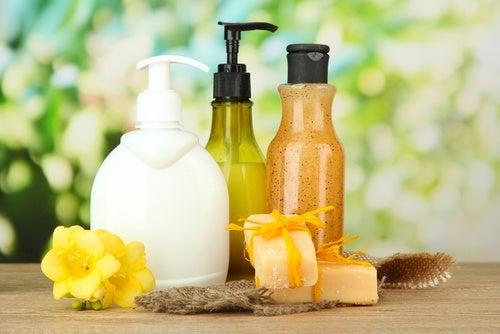 Jabón líquido casero de limón para las manos
