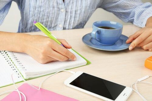 Planifica las actividades semanales para despejar la mente y dormir bien