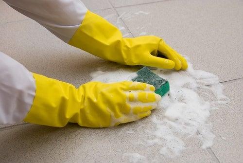 Por qué dejar de usar productos químicos en la limpieza
