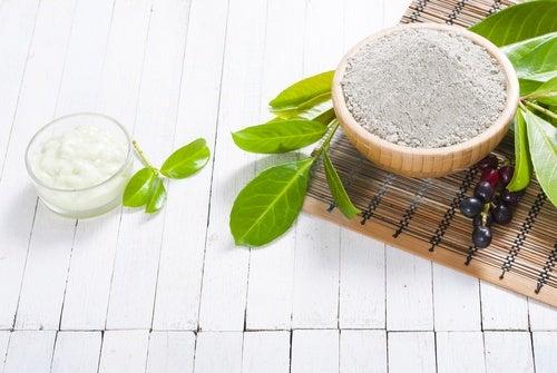 Tratamiento de sal, arcilla y miel