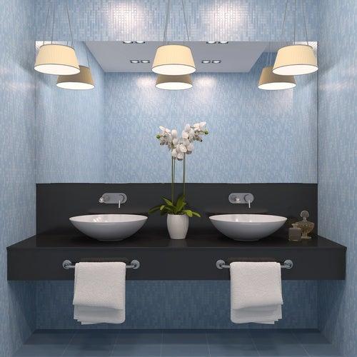 La correcta iluminación para decorar un baño