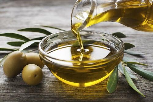 Mascarillas faciales con aceite de oliva