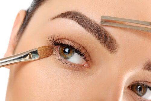 10 consejos para que tus cejas luzcan más bonitas que nunca
