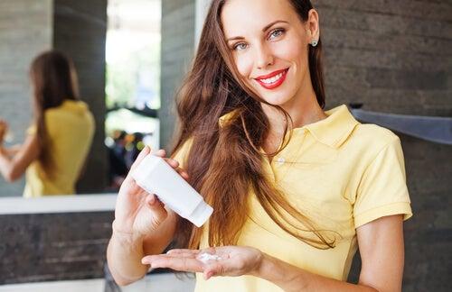 7 aportes del bicarbonato de sodio para un cabello saludable