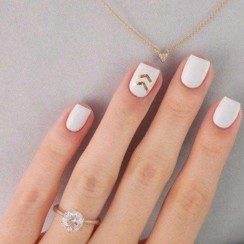 Dorado uñas