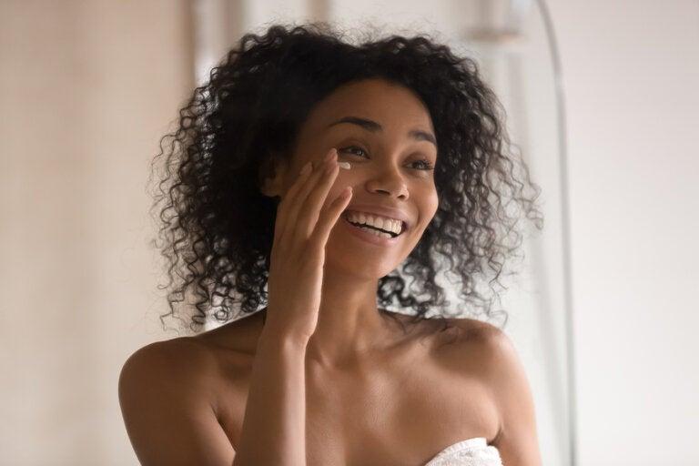 Crema antiarrugas casera para el contorno de ojos
