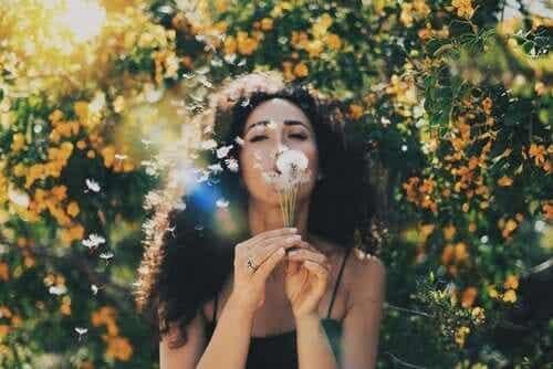Aprende a liberar tu mente de los pensamientos negativos