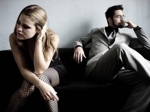 pareja que no se habla