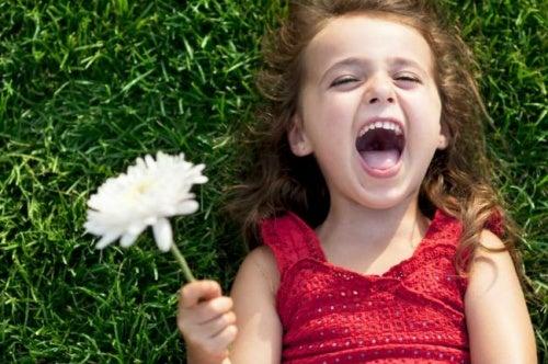 ¿Es verdad que la gente feliz vive más?