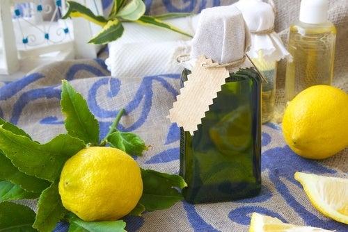 Ambientador casero de limón.
