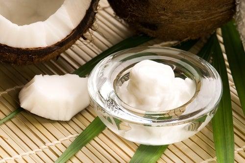 8 trucos de belleza con aceite esencial de coco