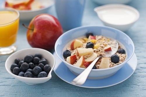 Consume un desayuno balanceado