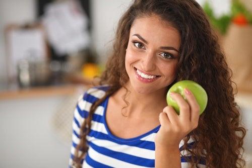 Consume una manzana al día para perder peso