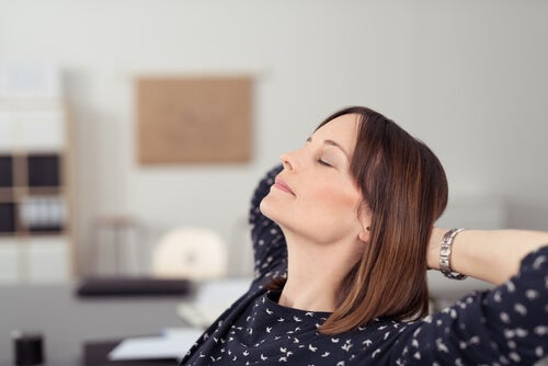 Descansos cortos y frecuentes mantienen la piel hidratada y sin estrés.