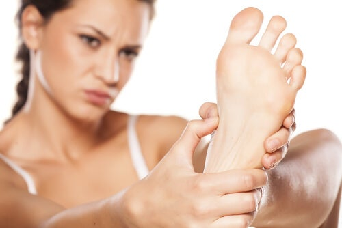 """¿Cómo cuidar el pie diabético en casa"""""""