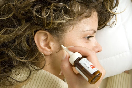 Los 8 mejores remedios naturales para eliminar la cera de los oídos